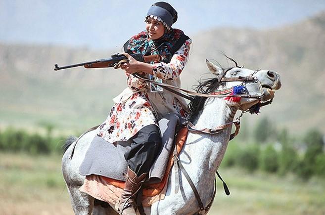 گزارش مکتوب ... شکست ارتش انگلیس از 10 زن کوهی دشتستانی
